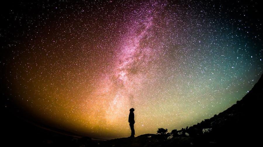 Uzay neden bu kadar karanlık ?