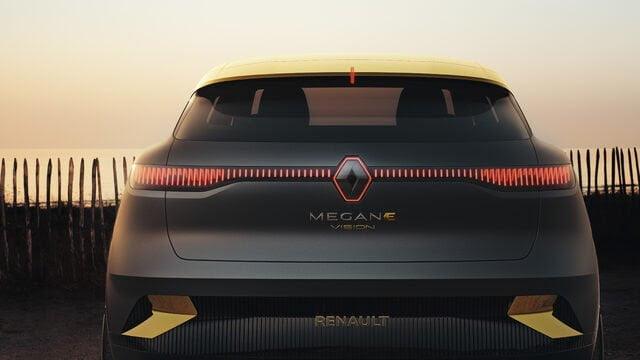 Renault Megane eVision konseptinde 130 kW'a kadar şarj oranını destekleyen 60 kWh batarya paketi bulunuyor.