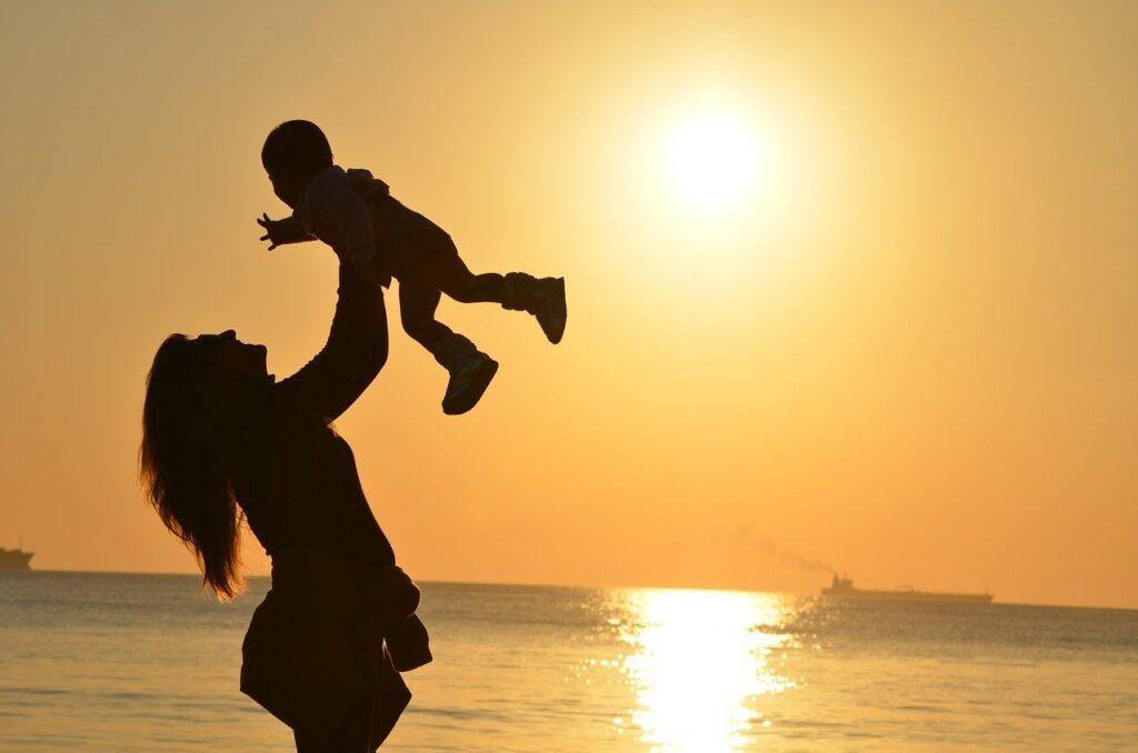 Belki de insanı yaşama bağlayan en güçlü aidiyet duygusu, bu çevremizdeki yaşanılan sevgi duygusudur.
